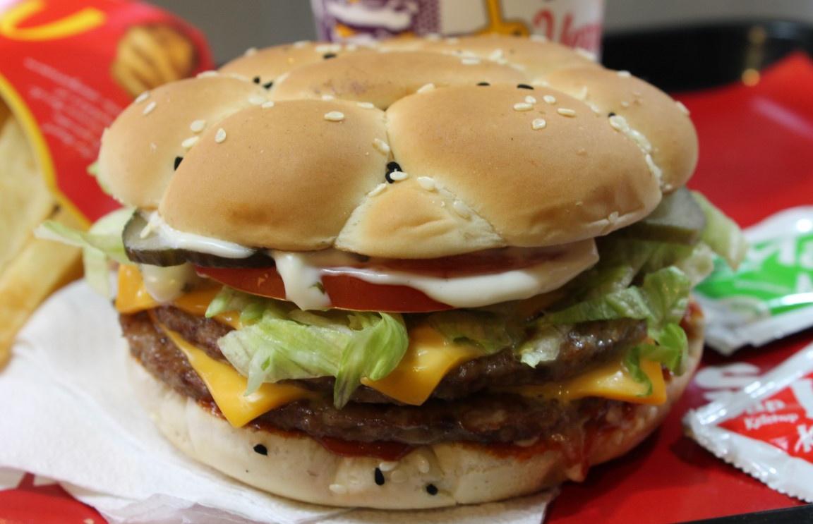 Max Burger Hakkında