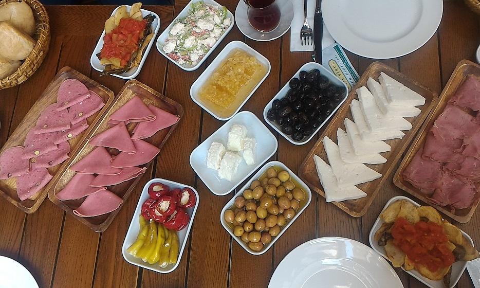 Cafe Firuz - Cihangir - İSTANBUL