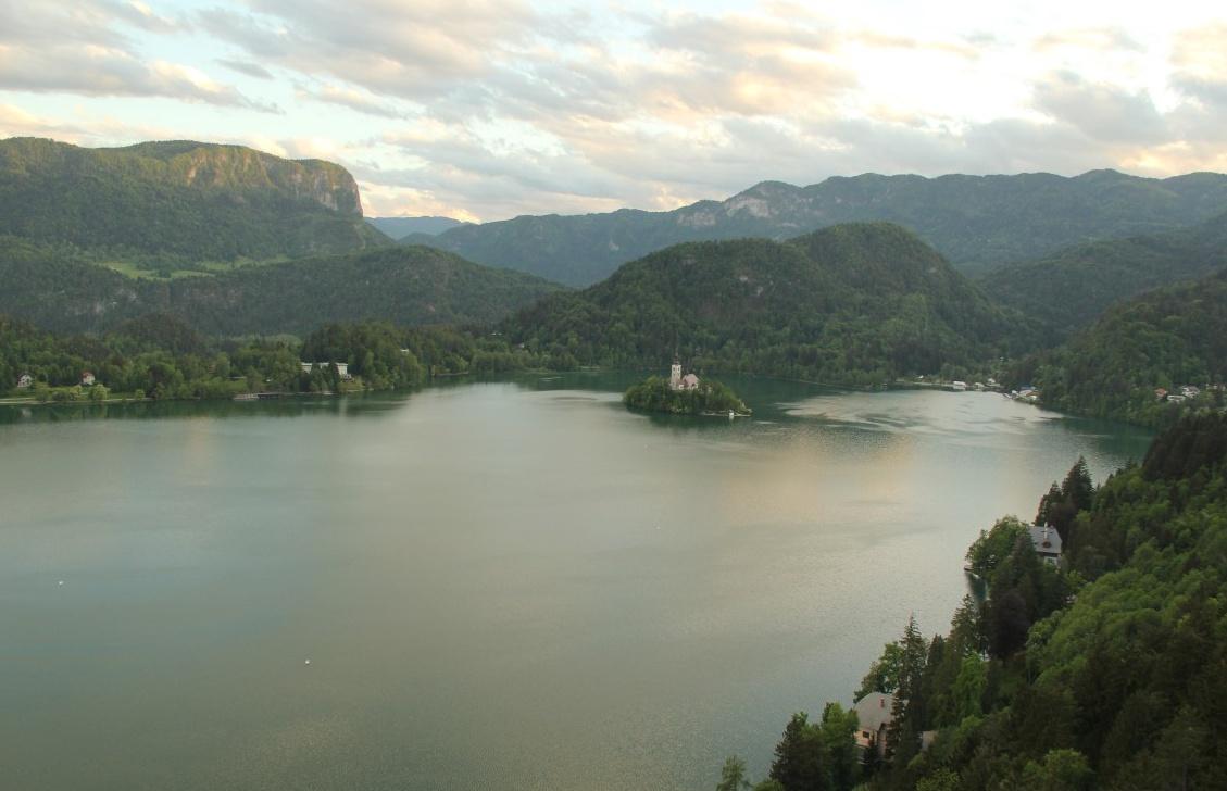 Slovenya Gezisi
