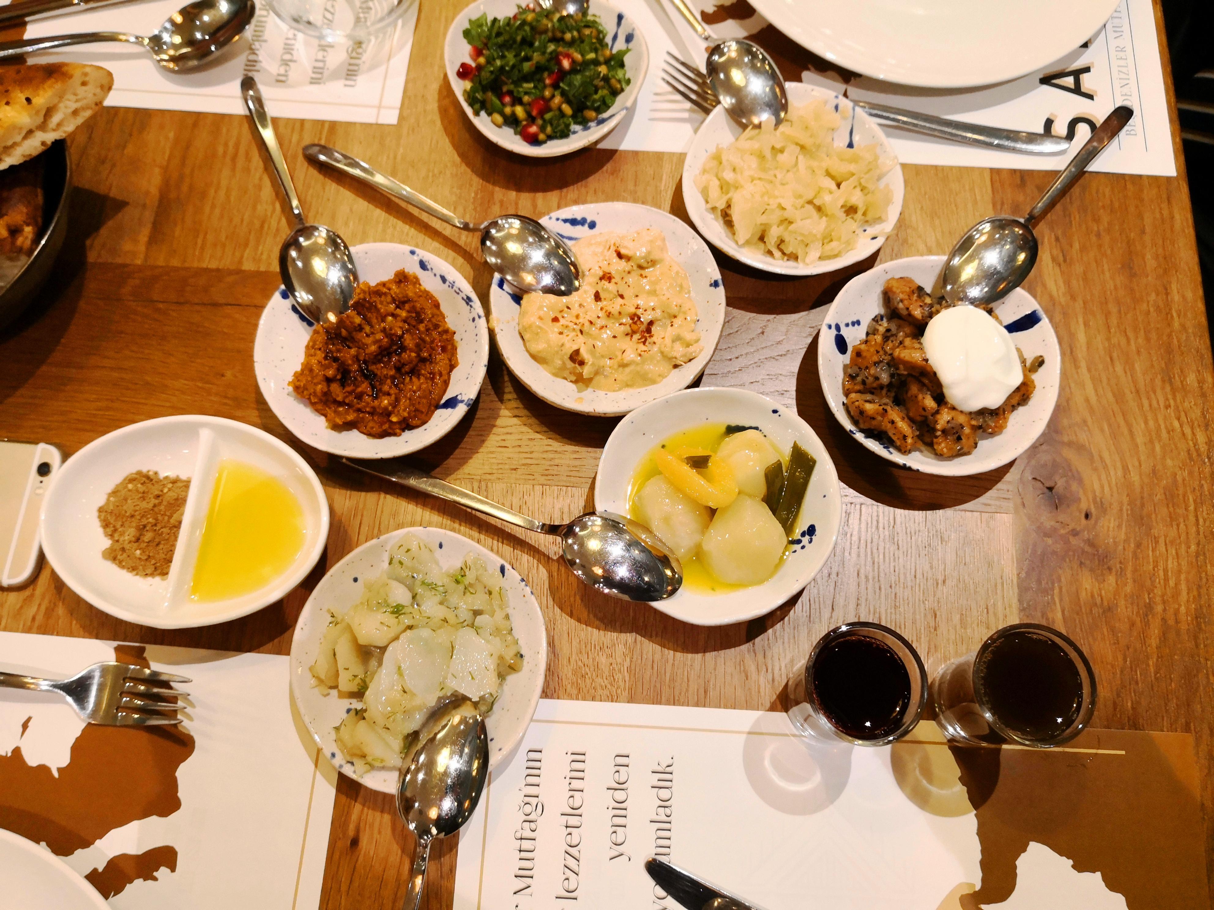 Sade Beş Denizler Mutfağı - Güneşli - İSTANBUL